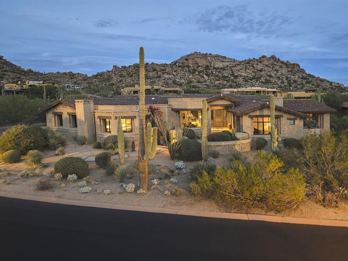 Частный односемейный дом for sales at A Serene Hideaway in Estancia 27339 N 103rd Way  Scottsdale, Аризона 85262 Соединенные Штаты