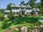 Maison unifamiliale for  sales at Stylish and Sophisticated 104 Jonathan Road   New Canaan, Connecticut 06840 États-Unis