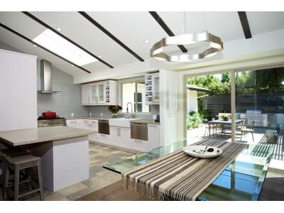 Vivienda unifamiliar for sales at 8744 La Jolla Scenic North  La Jolla, California 92037 United States