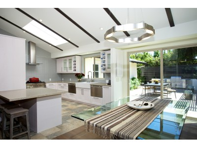 Einfamilienhaus for sales at 8744 La Jolla Scenic North  La Jolla, California 92037 United States