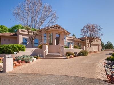 Einfamilienhaus for sales at Incredibly Beautiful Southwest Design 60 Prairie Circle Sedona, Arizona 86351 Vereinigte Staaten