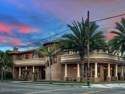Villa for sales at 1120 Main Street  Huntington Beach, California 92648 Stati Uniti