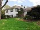 Villa for  sales at Sprawling Splendor 10 Sunset Dr Chappaqua, New York 10514 Stati Uniti