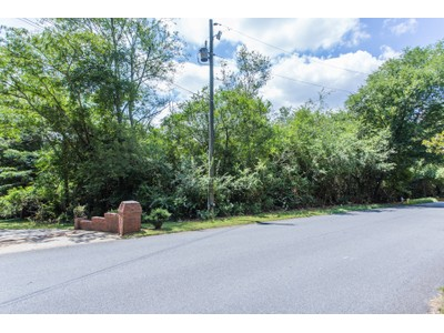 Land for sales at Acreage Near Dunwoody Country Club 7821 Jett Ferry Road   Sandy Springs, Georgia 30350 United States