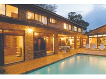 Moradia for sales at Carlow Road, Parkview  Johannesburg, Gauteng 2193 África Do Sul