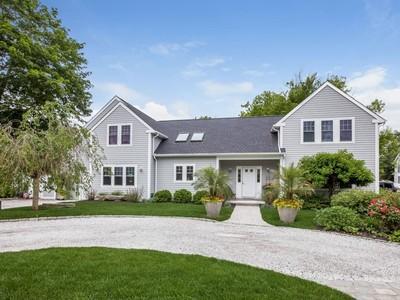 Nhà ở một gia đình for sales at 89 Blakeman Rd Madison, CT 06443   Madison, Connecticut 06443 Hoa Kỳ