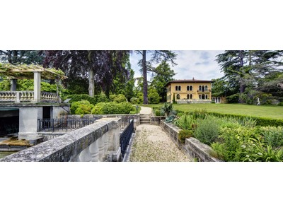 Single Family Home for sales at Magnificent property of Italian architecture feet in the water  Other Vaud, Vaud 1297 Switzerland