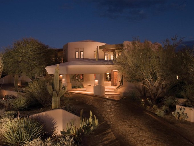 단독 가정 주택 for sales at Spacious & Elegant Award-Winning Bowman House by Boulders Designer Bob Bacon 8599 E Tecolote Circle Scottsdale, 아리조나 85266 미국