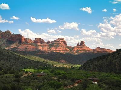 Maison unifamiliale for sales at Glorious Red Rock Views 851 Julie Sedona, Arizona 86336 États-Unis