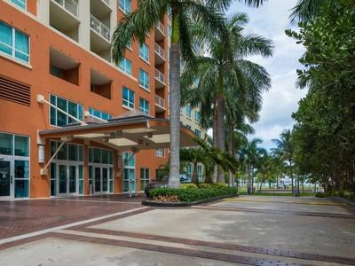 Eigentumswohnung for sales at 2000 N Bayshore Dr #209 2000 N Bayshore Dr. #209  Miami, Florida 33132 Vereinigte Staaten