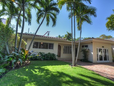 Maison unifamiliale for sales at 3534 Crystal Court  Miami, Florida 33133 États-Unis