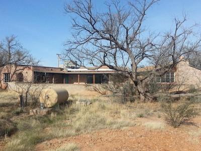 Vivienda unifamiliar for sales at Beautiful Private Home 2782 W Frontage Rd Amado, Arizona 85646 Estados Unidos