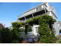 Eigentumswohnung for sales at Spectacular West End 8 Conant Street, Unit 3   Provincetown, Massachusetts 02657 Vereinigte Staaten