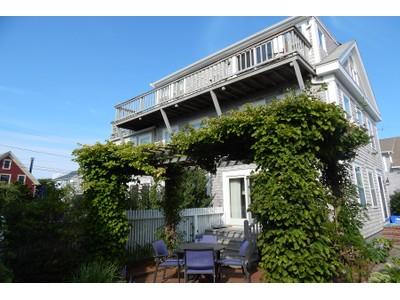 Copropriété for sales at Spectacular West End 8 Conant Street, Unit 3 Provincetown, Massachusetts 02657 États-Unis