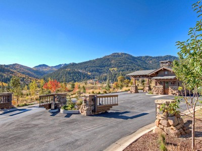 Moradia for sales at For the Ongoing Collection of Life 8830 Parleys Ln Lot#29 Park City, Utah 84098 Estados Unidos