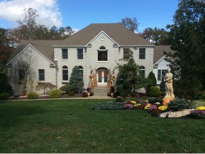 Частный односемейный дом for sales at 21 Astor Drive   Manalapan, Нью-Джерси 07726 Соединенные Штаты
