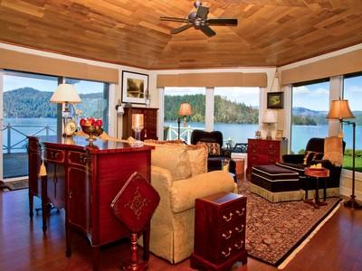 Otras residenciales for sales at On Driftwood Point 657 E Driftwood Lane Harrison, Idaho 83833 Estados Unidos