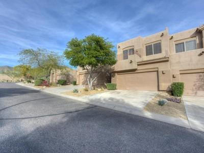 联栋屋 for sales at Fantastic Value in a Wonderful Scottsdale Mountain Community 11755 N 135th Place Scottsdale, 亚利桑那州 85259 美国
