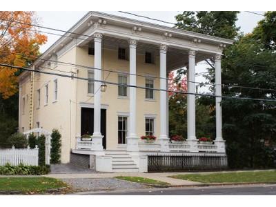 Casa Unifamiliar for sales at Classic Downtown Charm 108 Circular Drive  Saratoga Springs, Nueva York 12866 Estados Unidos