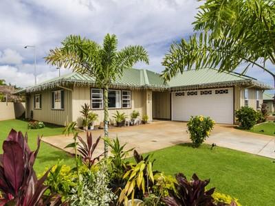 Maison unifamiliale for sales at Golf Course Community 4314 Kauila Street Lihue, Hawaii 96766 États-Unis