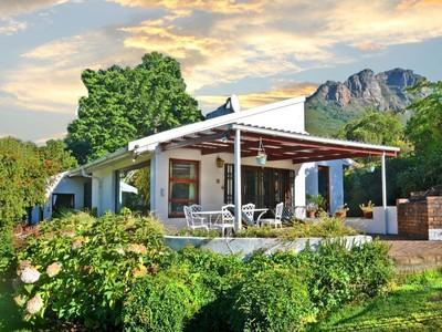 農場 / 牧場 / 種植場 for sales at Secluded Mountain Retreat  Stellenbosch, 西開普省 7600 南非