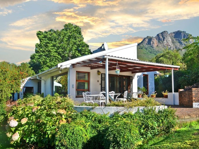 农场 / 牧场 / 种植园 for sales at Secluded Mountain Retreat  Stellenbosch, 西开普省 7600 南非