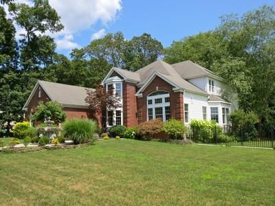 Nhà ở một gia đình for sales at Center Hall Colonial @ Ramshorn 1584 Horseshoe Dr. Manasquan, New Jersey 08736 Hoa Kỳ