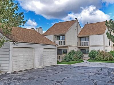 Residência urbana for sales at Coveted True 3 Bedroom Townhouse on Golf Course 24 Racquet Club Dr  Park City, Utah 84060 Estados Unidos