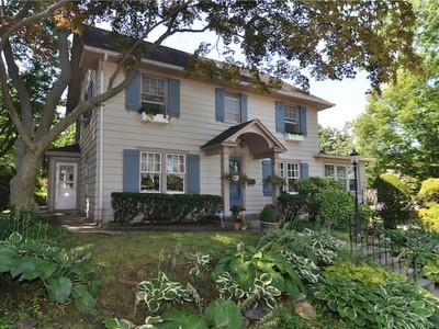 Single Family Home for sales at 4 Sherwood 4 Sherwood Avenue Pelham, New York 10803 United States