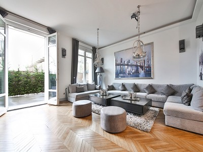 Appartement for sales at Sublime apartment with private garden and terrace - Flandrin  Paris, Paris 75016 France
