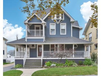 Частный односемейный дом for sales at Spectacular Home! 417 6th Ave  Belmar, Нью-Джерси 07719 Соединенные Штаты