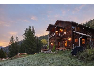 獨棟家庭住宅 for sales at The Gallatin Riverview House 54660 Gallatin Road  Big Sky, 蒙大拿州 59716 美國