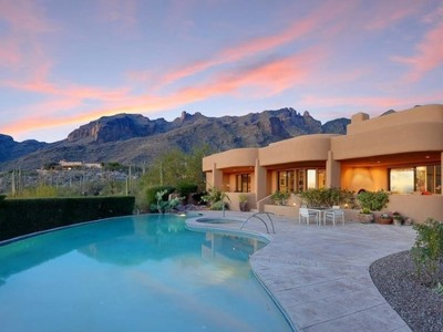 一戸建て for sales at Southwest Contemporary Custom Home in The Canyons 7248 N Cloud Canyon Place Tucson, アリゾナ 85718 アメリカ合衆国