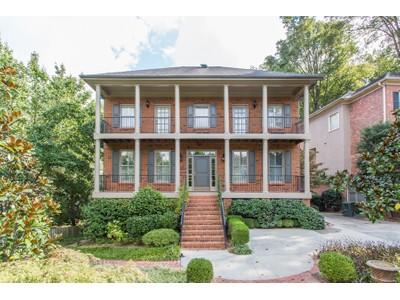 Casa Unifamiliar for sales at Wonderful Brick Home 2807 Osborne Road NE  Atlanta, Georgia 30319 Estados Unidos