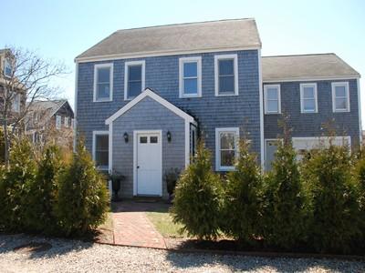 共管式独立产权公寓 for sales at Sunny and Cheerful  Nantucket, 马萨诸塞州 02554 美国