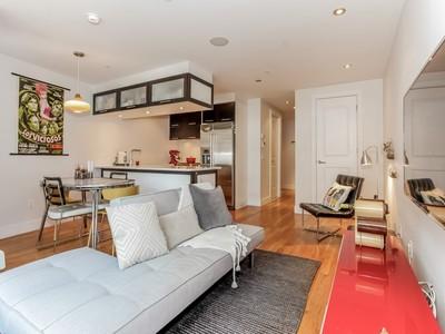 콘도미니엄 for sales at Stunning Modern One Bedroom Duplex 660 Bergen Street Apt. 1-E Brooklyn, 뉴욕 11238 미국