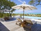 Maison unifamiliale for  rentals at Tamarind Villa   Vacation Rental Beachfront Parrot Cay, Parrot Cay TC Îles Turques Et Caïques