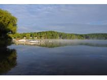 Casa Unifamiliar for sales at Waterfront Goose Pond Home 7 Cooper Creek Road   Tyringham, Massachusetts 01264 Estados Unidos