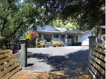 Vivienda unifamiliar for sales at 3245 Wallace Creek Road    Healdsburg, California 95448 Estados Unidos