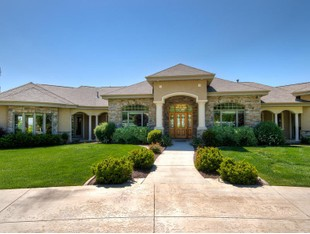 Villa for sales at Gorgeous Mapleton Rambler 1254 E Dogwood Dr Mapleton, Utah 84664 Stati Uniti