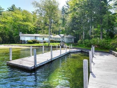 独户住宅 for sales at Winnipesaukee Waterfront 212 Springfield Point Wolfeboro, 新罕布什尔州 03894 美国
