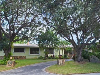 Moradia for sales at 12050 Moss Ranch Road   Pinecrest, Florida 33156 Estados Unidos