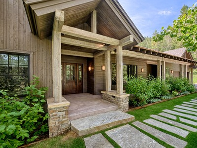 Maison unifamiliale for sales at Rustic Contemporary Home on 6 Acres  West Bank South, Wyoming 83001 États-Unis