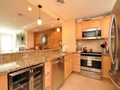 Appartement en copropriété for sales at Penthouse Duplex 26 Battery Street Unit 4 Boston, Massachusetts 02109 États-Unis