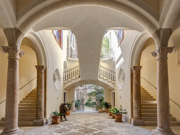 獨棟家庭住宅 for sales at Stunning refurbished palace in the Old Town    Palma, 馬婁卡 07001 西班牙