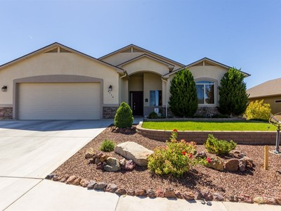 Single Family Home for sales at Beautiful Four Bedroom Home 4714 N EDGEMONT Road Prescott Valley, Arizona 86314 United States