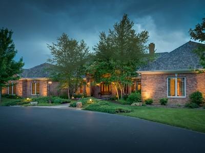 Nhà ở một gia đình for sales at Custon Designed Living With Glorious Views of Nature 20 N Buckley Road Barrington Hills, Illinois 60010 Hoa Kỳ