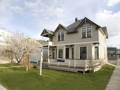 Duplex for sales at 141 S. 3rd St. W 141 S. 3rd Street W. Missoula, Montana 59801 Estados Unidos