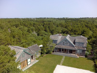 Maison unifamiliale for sales at Beautiful Overlooking the Moors 10 Upper Tawpawshaw Rd Nantucket, Massachusetts 02554 États-Unis