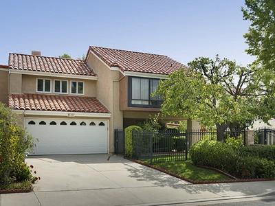 Maison unifamiliale for sales at 23317 Park Mariposa  Calabasas, California 91302 United States